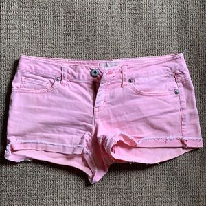 Salmon jean short shorts